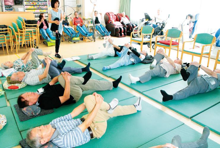 運動と文化活動で自発的な介護予防を【1】
