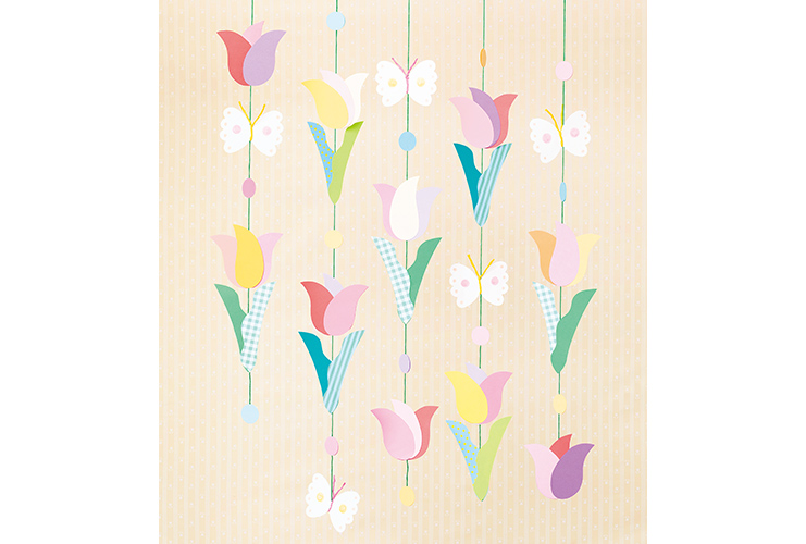 色を組み合わせて「チューリップの吊るし飾り」