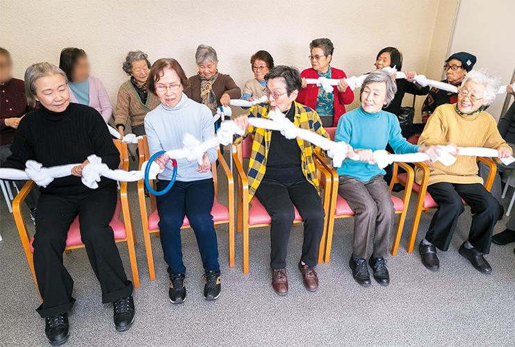 大人数でも楽しめるレクとは | 高齢者介護をサポートする ...